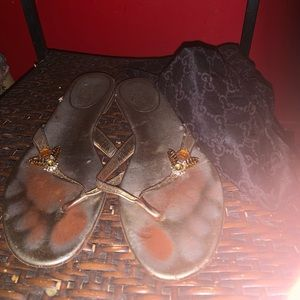 Gucci sandals with firefly details size 81/2